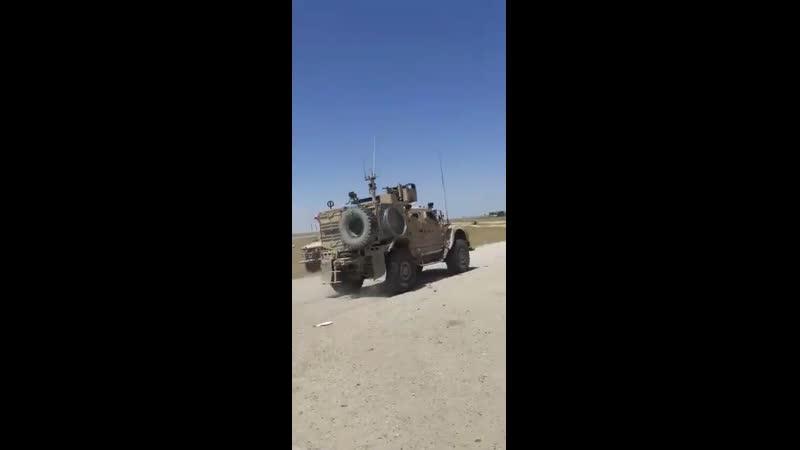 Бойцы сирийской армии заблокировали проезд американского патруля в провинции Хасака