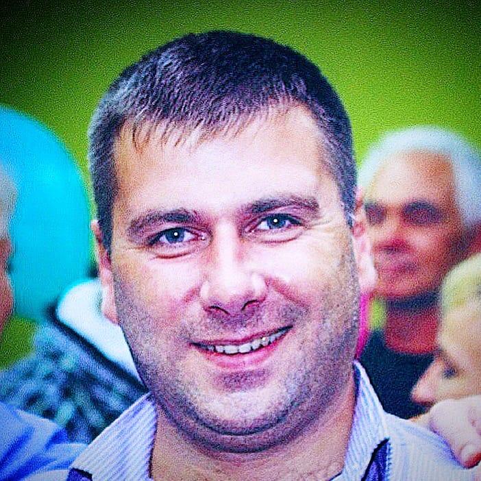 Дмитрий Счастливцев