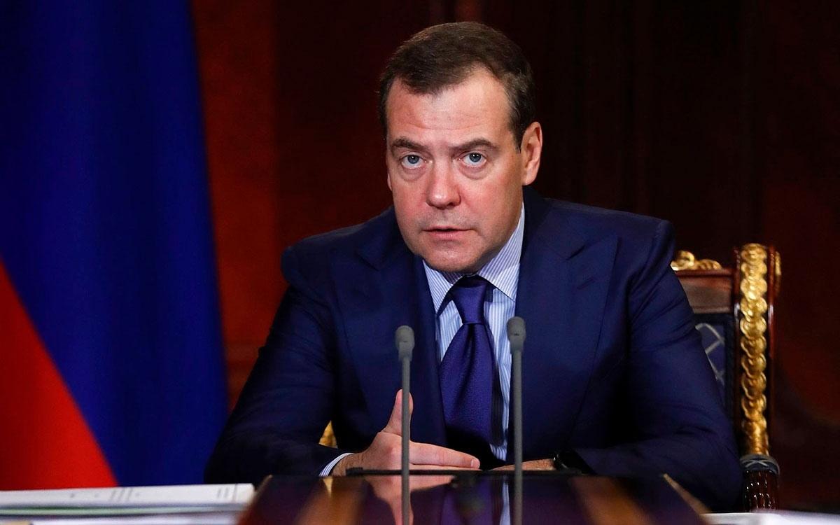 Путин сообщил о новой должности Медведева