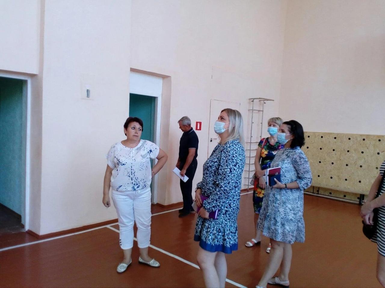 В образовательных учреждениях Петровского района идёт традиционная приёмка к новому учебному году