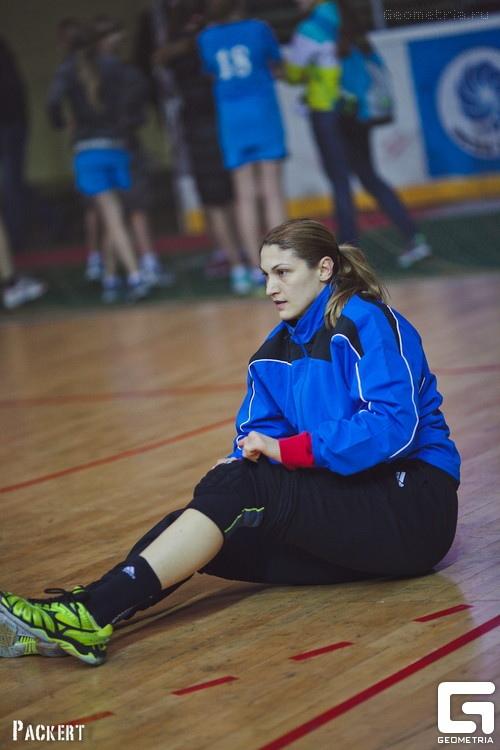 Санела Кнезович