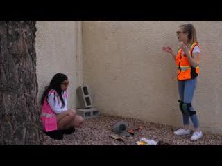 Karla Kush, Mckenzie Lee - приехала проверить строительство дома, а там её трахнули [порно, ебля, инцест, секс, минет, трах]