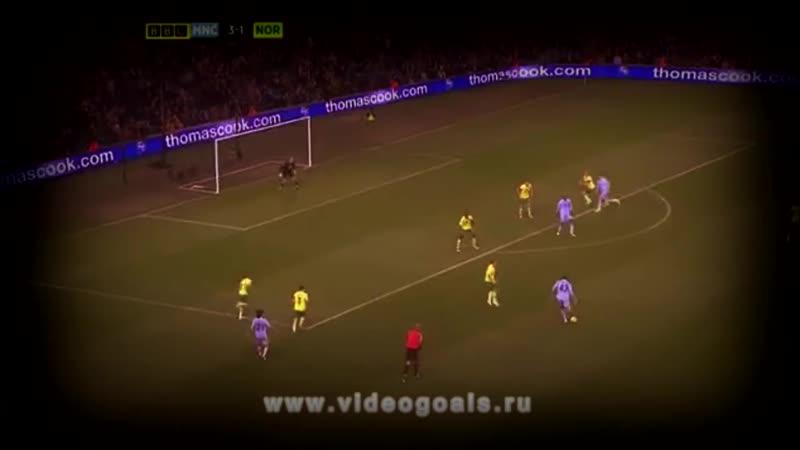 Балотелли забивает гол плечом (720p).mp4