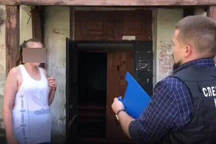 В Бийске мать убила младенца об стену и бросила в подъезде В Алтайском крае 26-летняя женщина убила одиннадцатимесячную дочь. Об этом сообщается на сайте регионального главка Следственного
