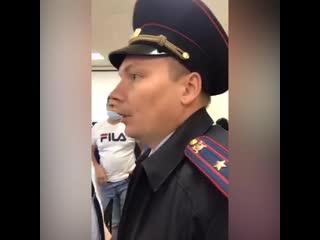 На заседание мунсовета Малой Охты приехала полиция