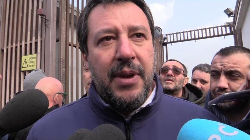 Citofonata al Pilastro Salvini al videomaker di Repubblica Gente che difende gli spacciatori