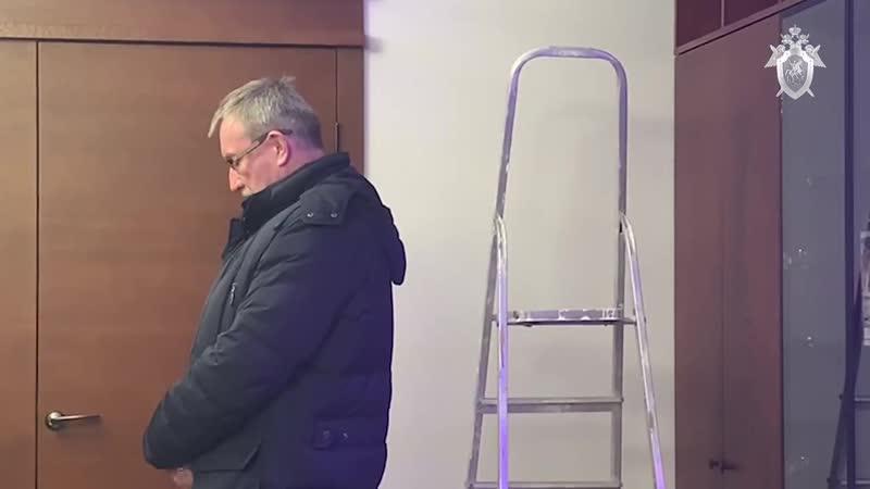 В Ленобласти по подозрению в злоупотреблении должностными полномочиями задержан глава района