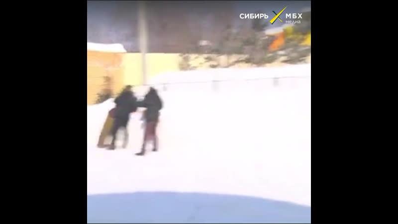 Расстрел украинца-бандеровца у памятника Сталину от КПРФ в Новосибирске