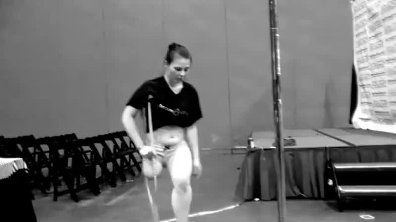 Amputee Rak poledance 360p