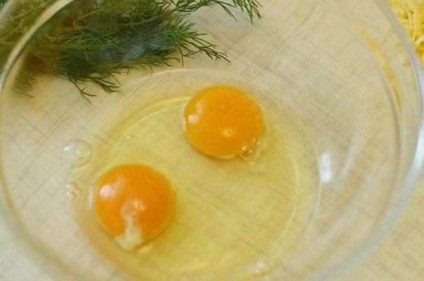 Мини-омлеты с ветчиной  Ингредиенты:  Яйцо - 2 шт. Луковица - 1...