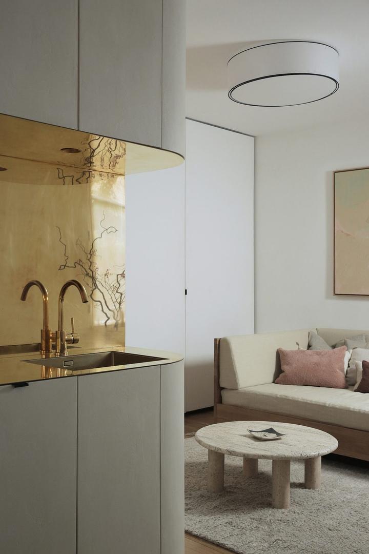 Дизайн интерьера квартиры (27 м2) в Париже от Эммануэля Симона.