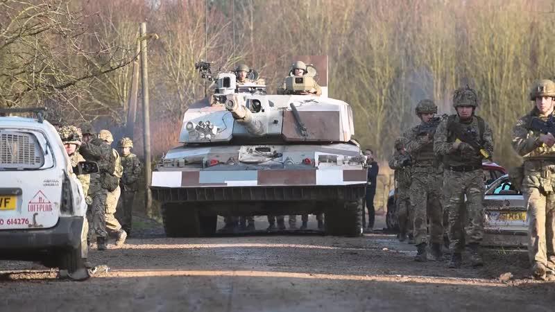 Учения с танком Challenger 2 Streetfighter