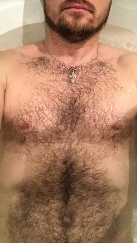 Нравятся ли вам бородатенькие и волосатенькие ?
