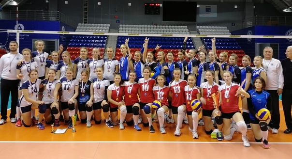 Поздравляем наших волейболисток! Они лучшие в Лено...