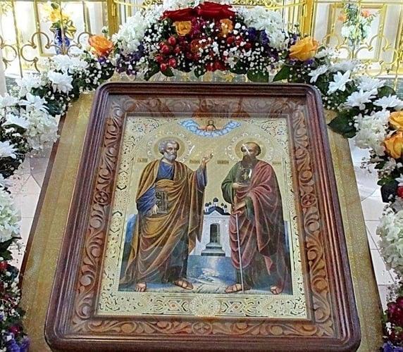 Сегодня верующие петровчане отмечают день первоверховных апостолов Петра и Павла - небесных покровителей Петровска