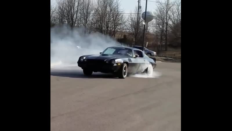 Z-28 Camaro Burnout