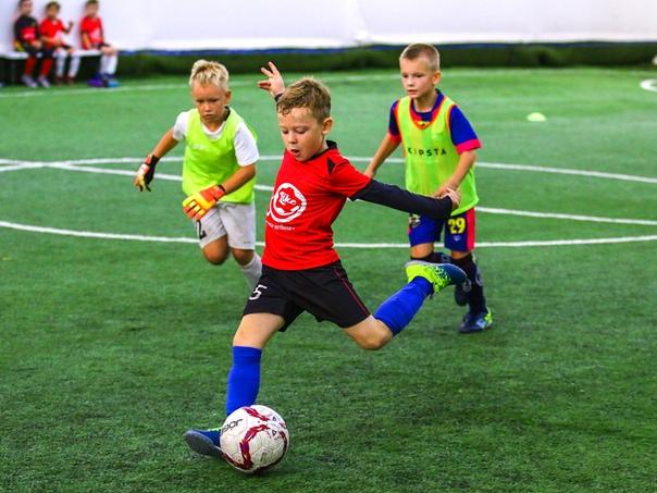 Самая яркая игра — футбол!