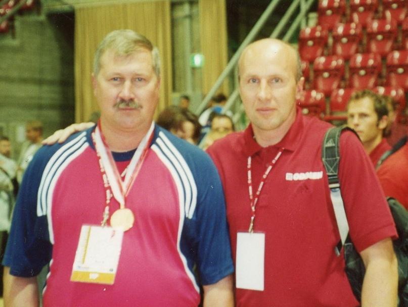 После награждения на чемпионате мира 2001 года с Сергеем Демидовым, главным тренером сборной Норвегии