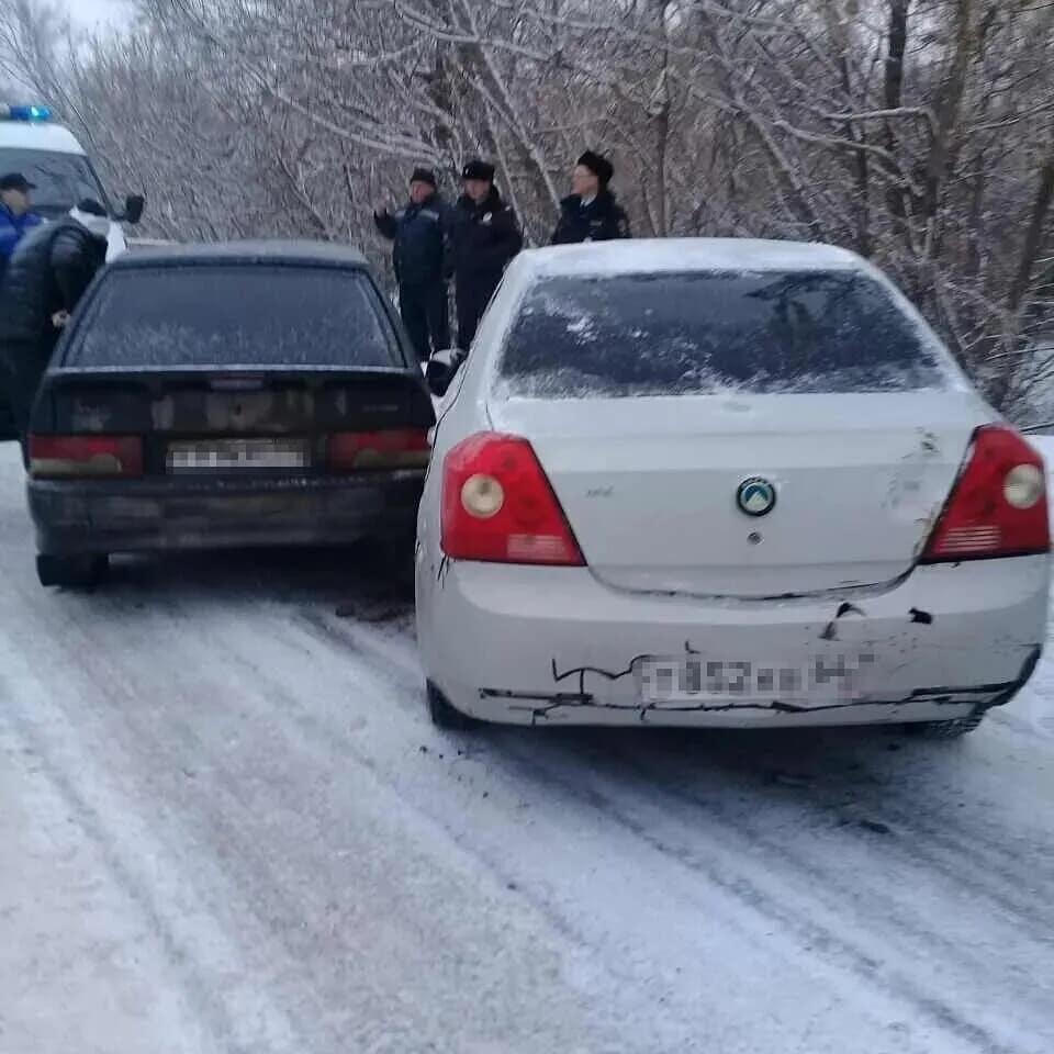 На улице Энгельса в Петровске произошло дорожно-транспортное происшествие