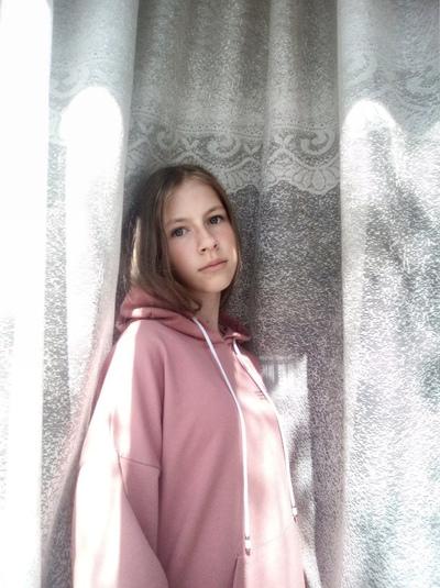 Эвелина Шарова