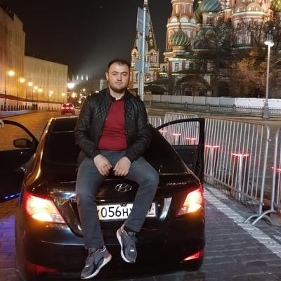 Gulobkhon, 30, Moscow