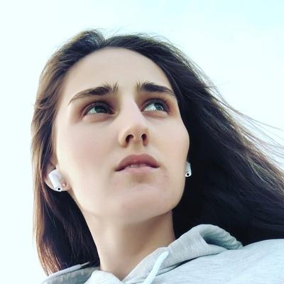 Виктория, 21, Ust-Kamenogorsk