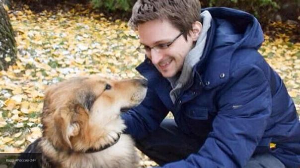 Сноуден заявил, что в России оказался в ловушке Экс-сотрудник американских спецслужб Эдвард Сноуден заявил, что оказался в ловушке в России, передает РИА Новости.В интервью американскому