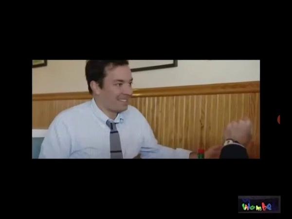 Dieses Video zeigt wie Jerry Seinfeld Kannibalismus anpreist