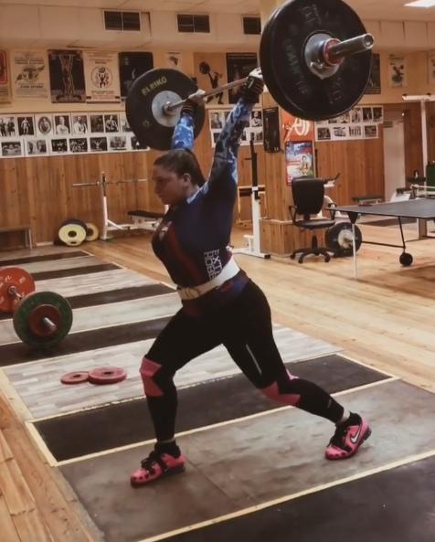Анастасия Блинова — девушка-пауэрлифтер, которую в сети прозвали «валькирией», отличная физическая форма